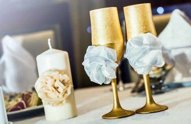 Атрибуты золотой свадьбы