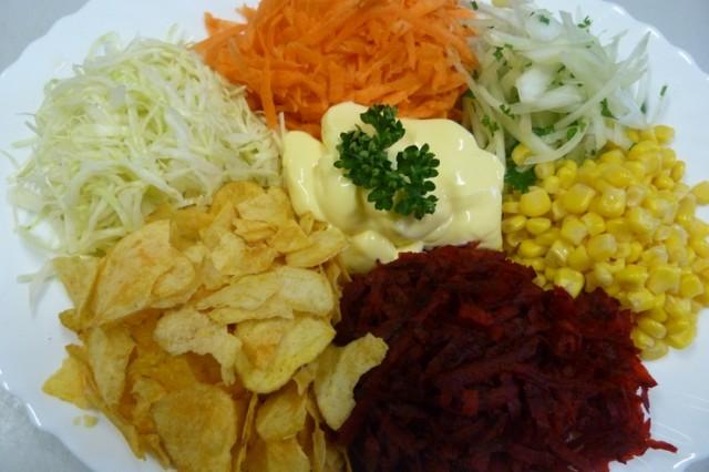 Козел в огороде, салат