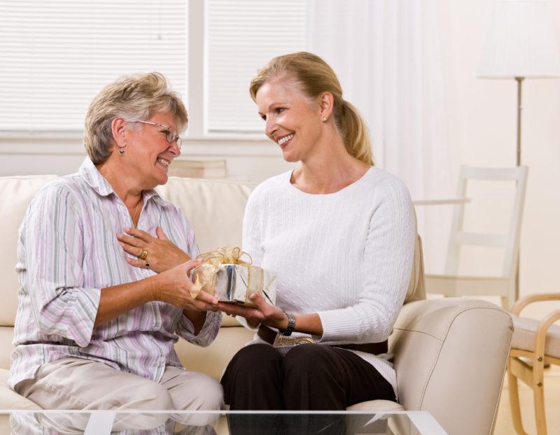 Подарки для бабушек на все праздники