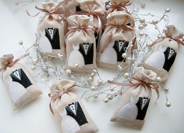 Подарки друзьям на льняную свадьбу