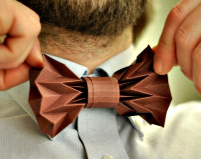Бумажный галстук для бумажной свадьбы