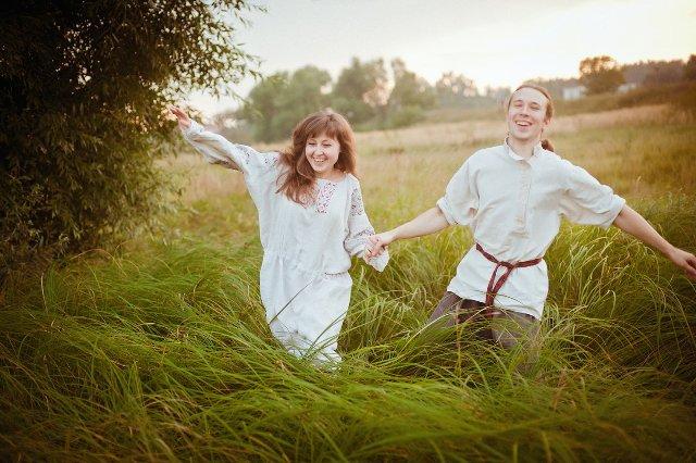 Четвертая годовщина льняная свадьба