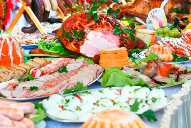 Мясные блюда на пасхальном столе