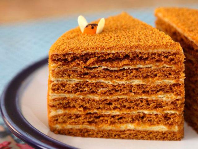 Торт Медовик кусочек