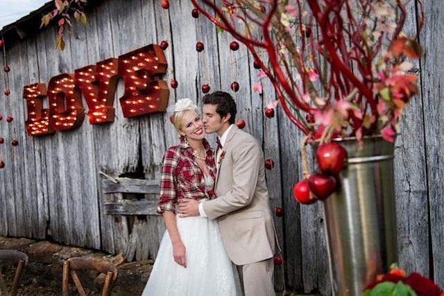Яблоки в декоре свадьбы в ноябре