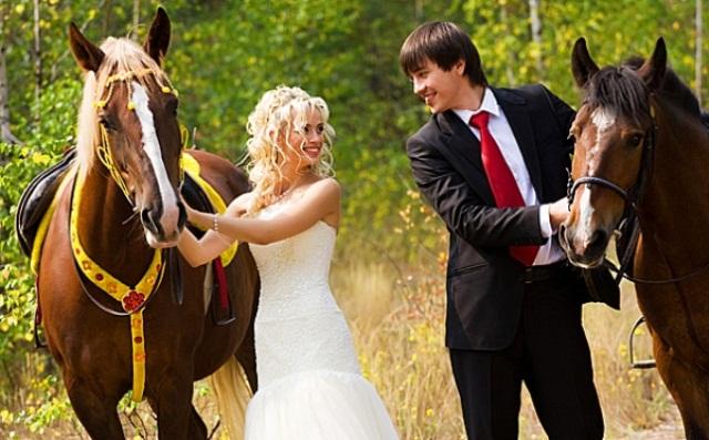 Поездка на лошадях для молодоженов