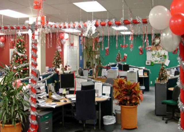 Украшение офиса к Новому Году фото