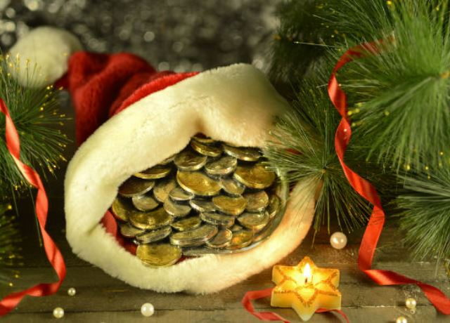 Денежные же приметы на Новый Год советуют в кармане иметь мелочь,