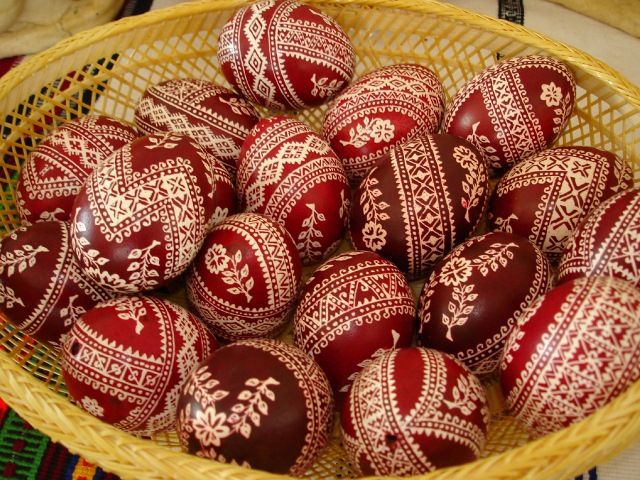 Символы на яйцах
