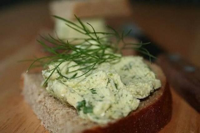 Бутерброды с оливковой пастой