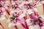 Как выбрать подарки на свадьбу для молодоженов