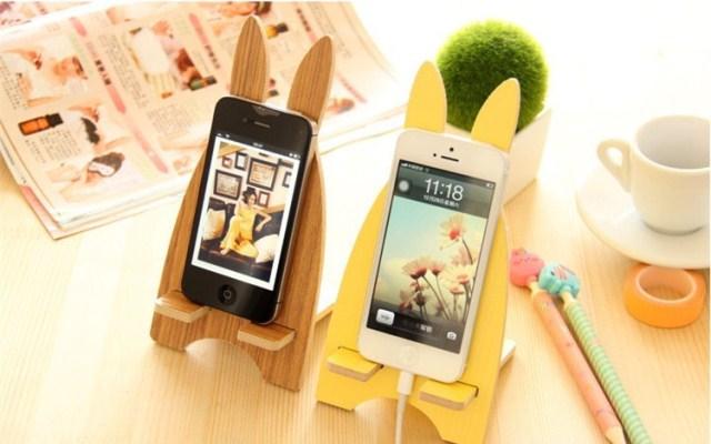 Подставку на стол для мобильного телефона