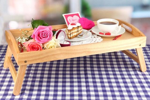 Столик для завтраков в постель