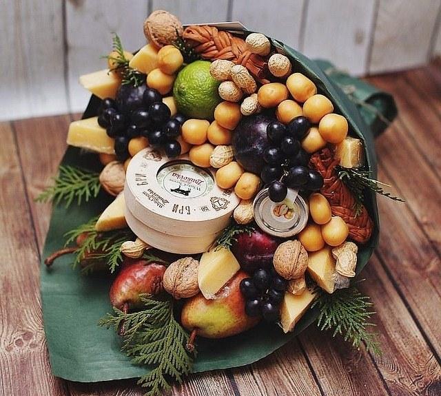 Набор сухофруктов и орехов