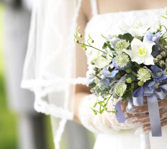 Как отметить хрустальную свадьбу: традиции, подготовка и сценарий 15 годовщины