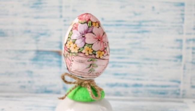 Декупаж деревянных яиц