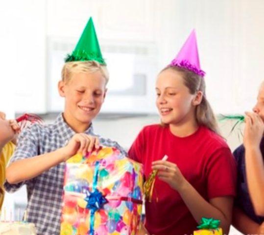 Подарок на День рождения мальчику 10 лет
