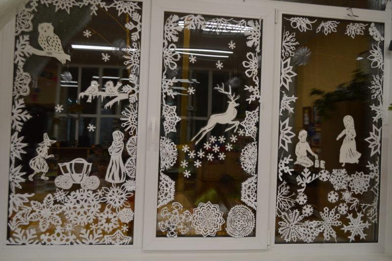 Украшение окон и подоконников к Новому году: шаблоны, трафареты, вытынанки