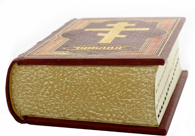 Что подарить крестнику на крестины