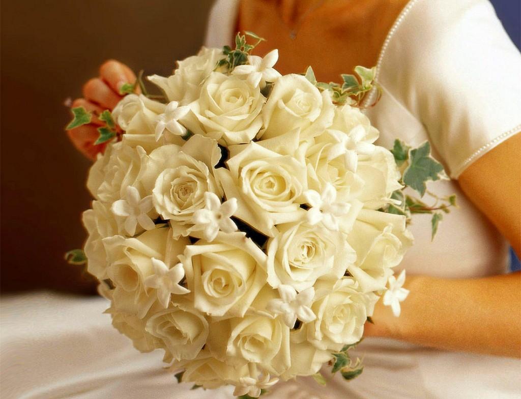 Символический букет из роз