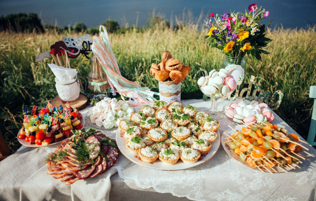 Свадебный стол в стиле рустик своими руками