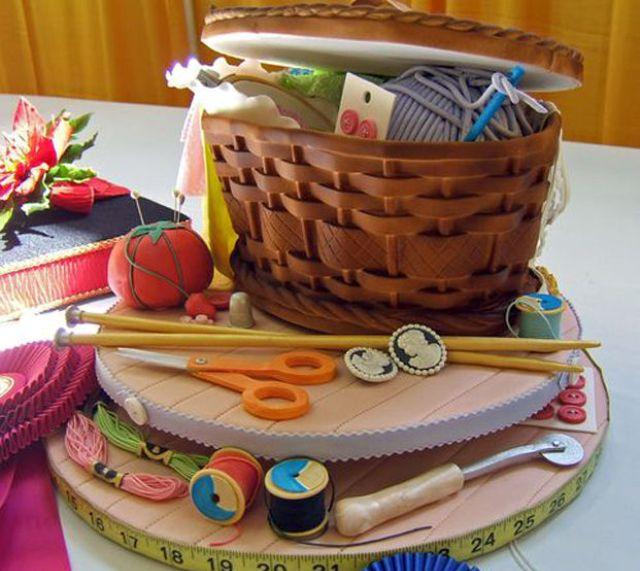 Праздничный набор в корзинке