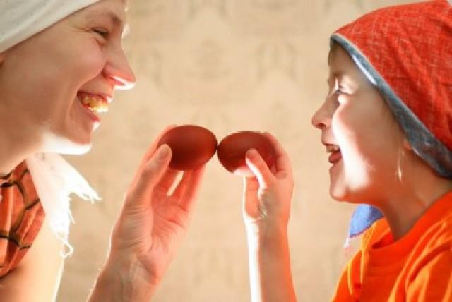 Бить яйца на Пасху