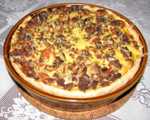 Праздничный открытый пирог с мясом