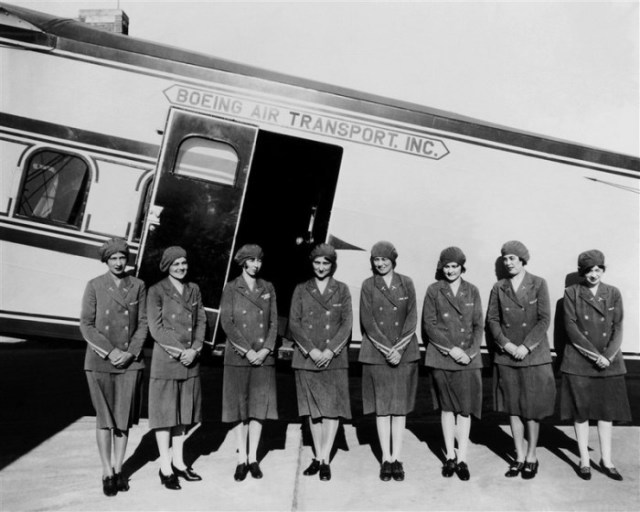 Первые стюардессы
