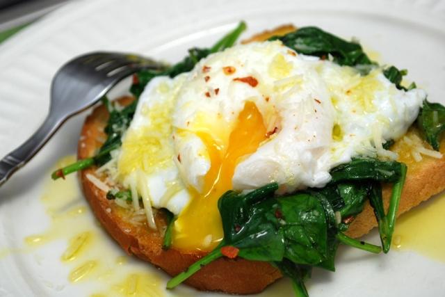 Яйцо-пашот на шнинате