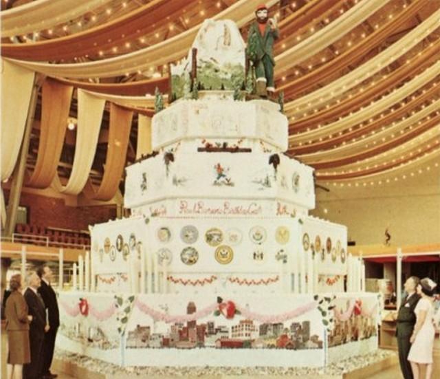 Самый высокий торт в мире