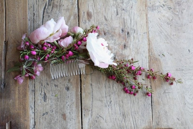 Свадебные подарки гребни и заколки