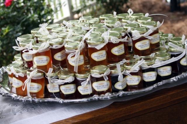 Подарки гостям на свадьбу в баночках
