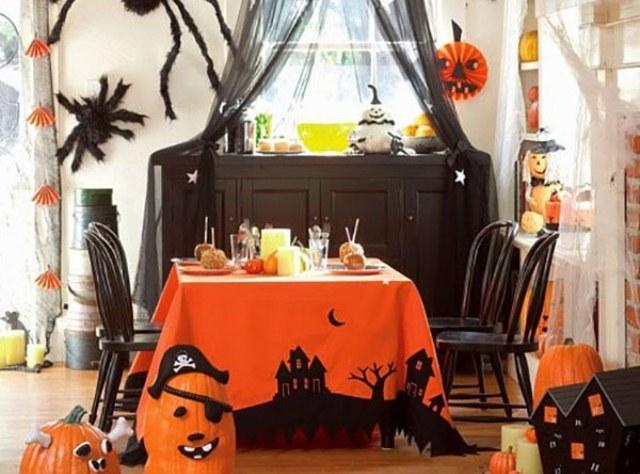 Подготовка к вечеринке в стиле Хэллоуин