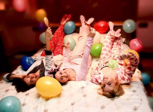 Пижамная вечеринка на 8 Марта