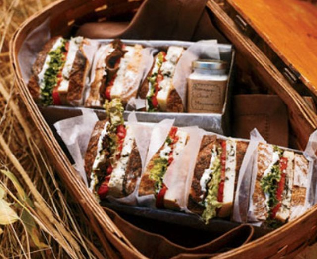 Бутерброды на пикнике