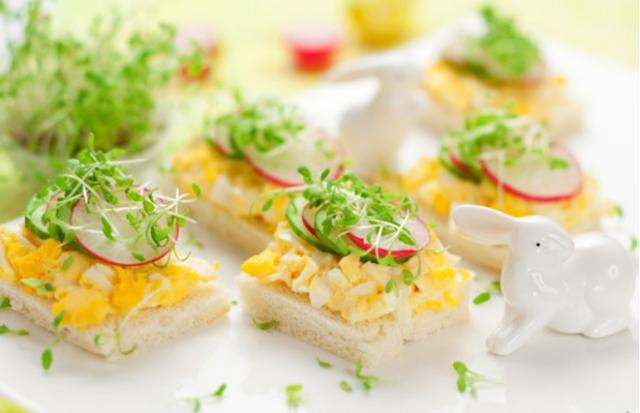 Канапе с яйцом и редисом