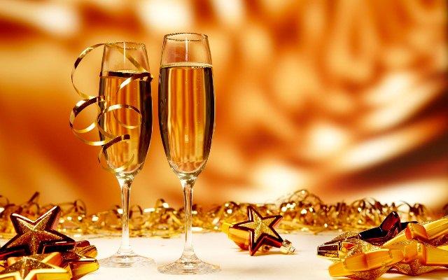 Новый Год и шампанское
