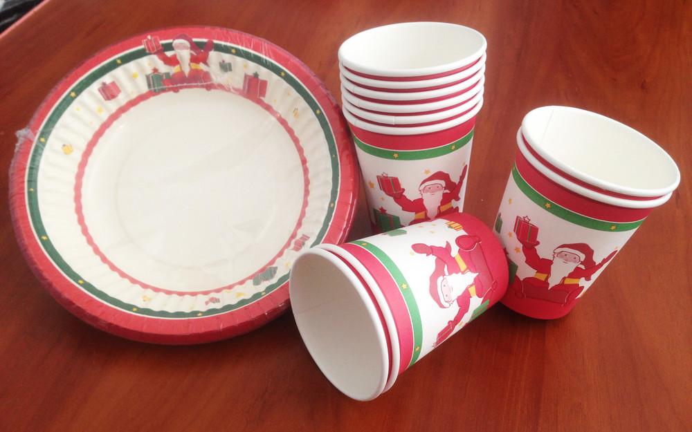 Одноразовая новогодняя посуда