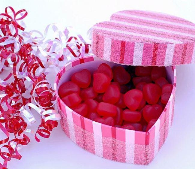 11 Что подарить девушке на день Святого Валентина
