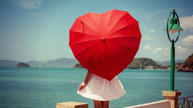 Зонт в виде сердца