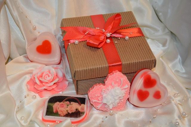 Подарки из мыла на 8 Марта