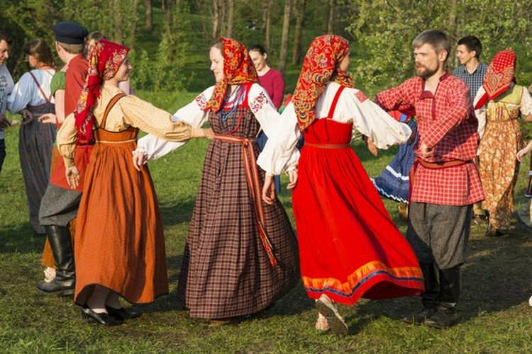 Красная горка — это праздник плодородия, любви и надежд